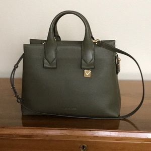 Like new Authentic Michael Kors Satchel